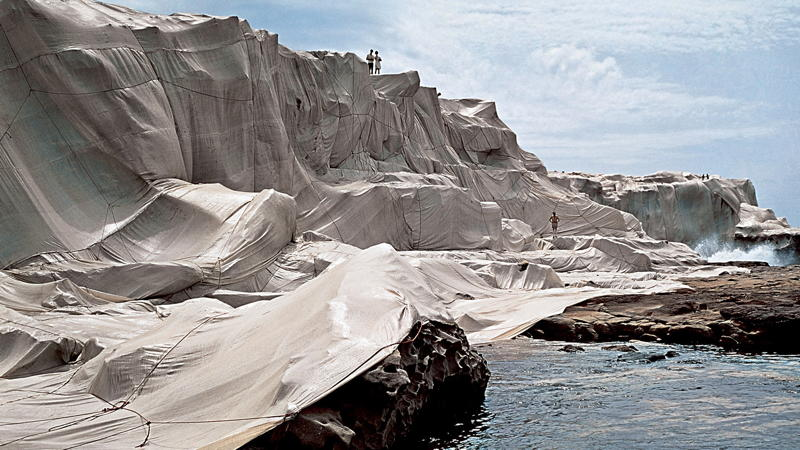 Wrapped Coast, One Million Square Feet, Little Bay, Sydney, Australia (1968-69) - Christo and Jeanne-Claude. Photograph: Shunk-Kender © J. Paul Getty Trust. All Rights Reserved