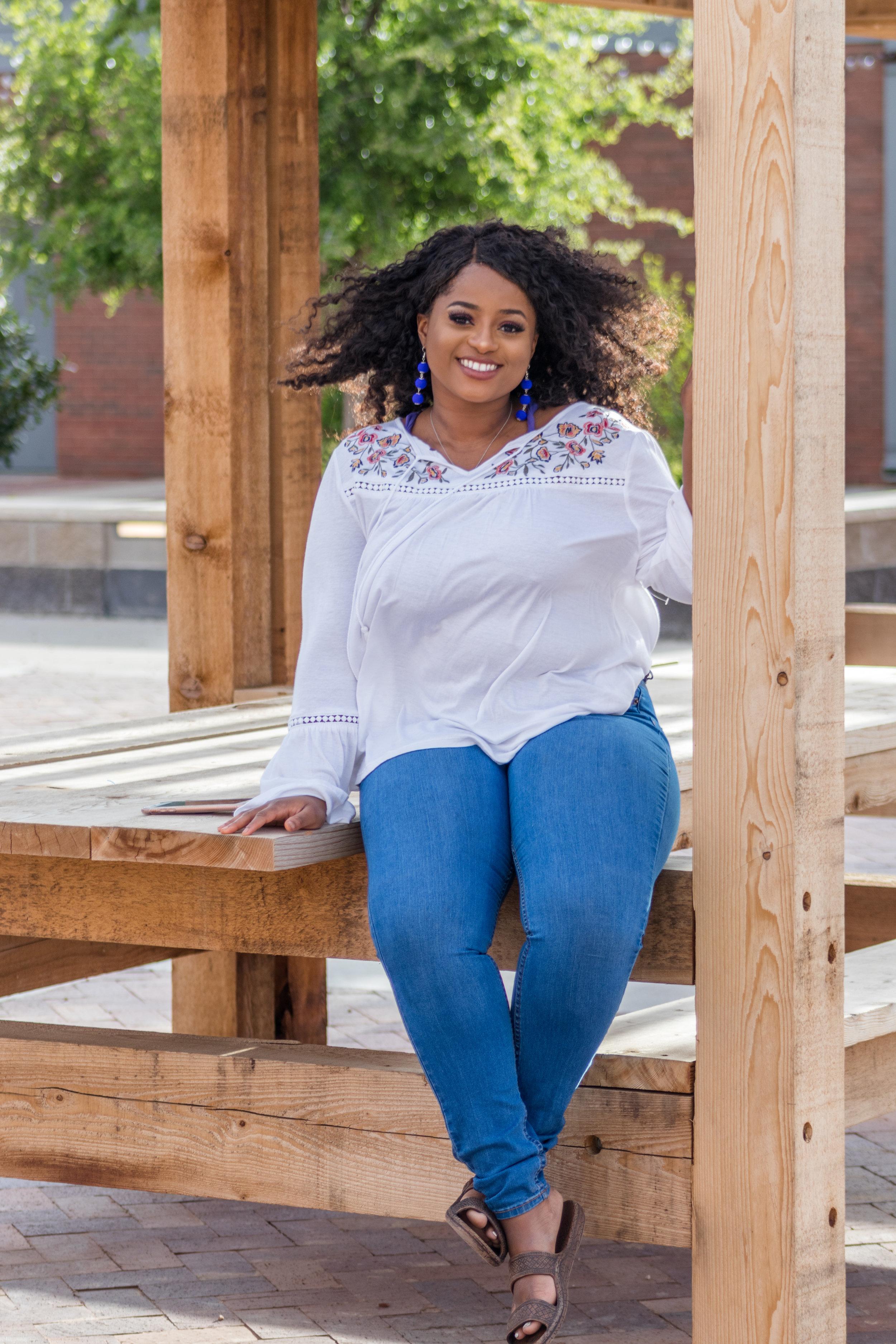 #41 Kellie *Adelida* Kadiri   Fall 2016 - Epsilon Line  Nationality: African-American  Major: Global Studies