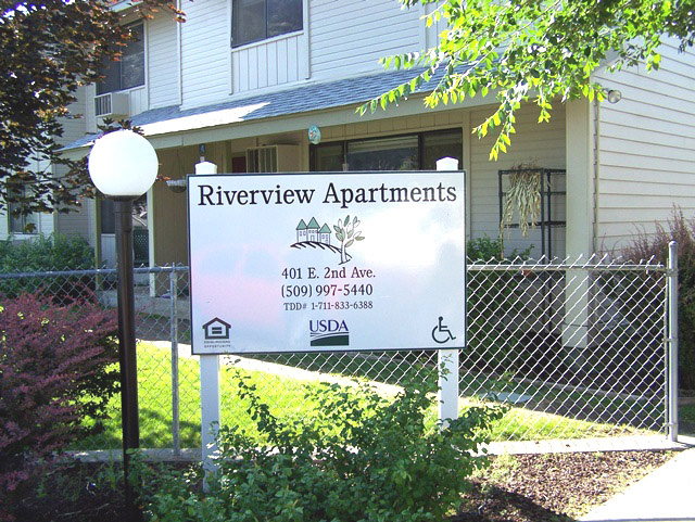 Affordable apartment rentals are available in Twisp and Winthrop.