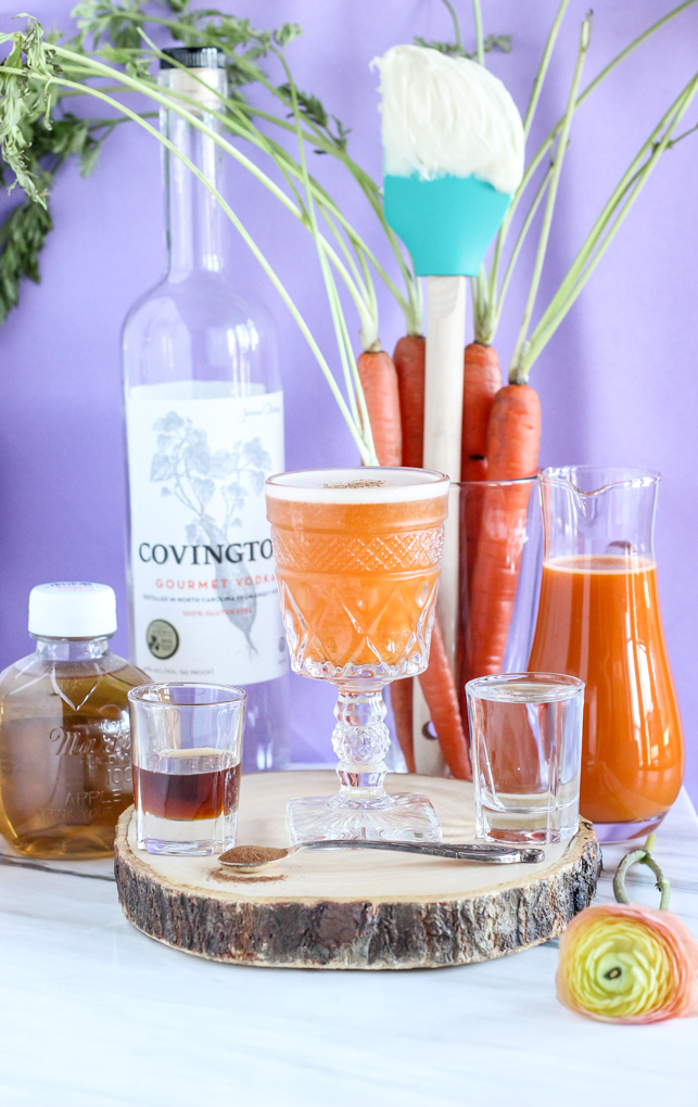 5-ingredient Carrot Cake Cocktail made with #vodka and #carrot juice - the perfect healthy spring cocktail!.jpg