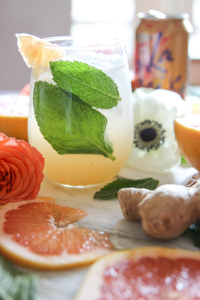 Fresh Grapefruit Ginger-Mint Mocktail Mimosa | The Cheers Years #mocktail #grapefruit #mint-2