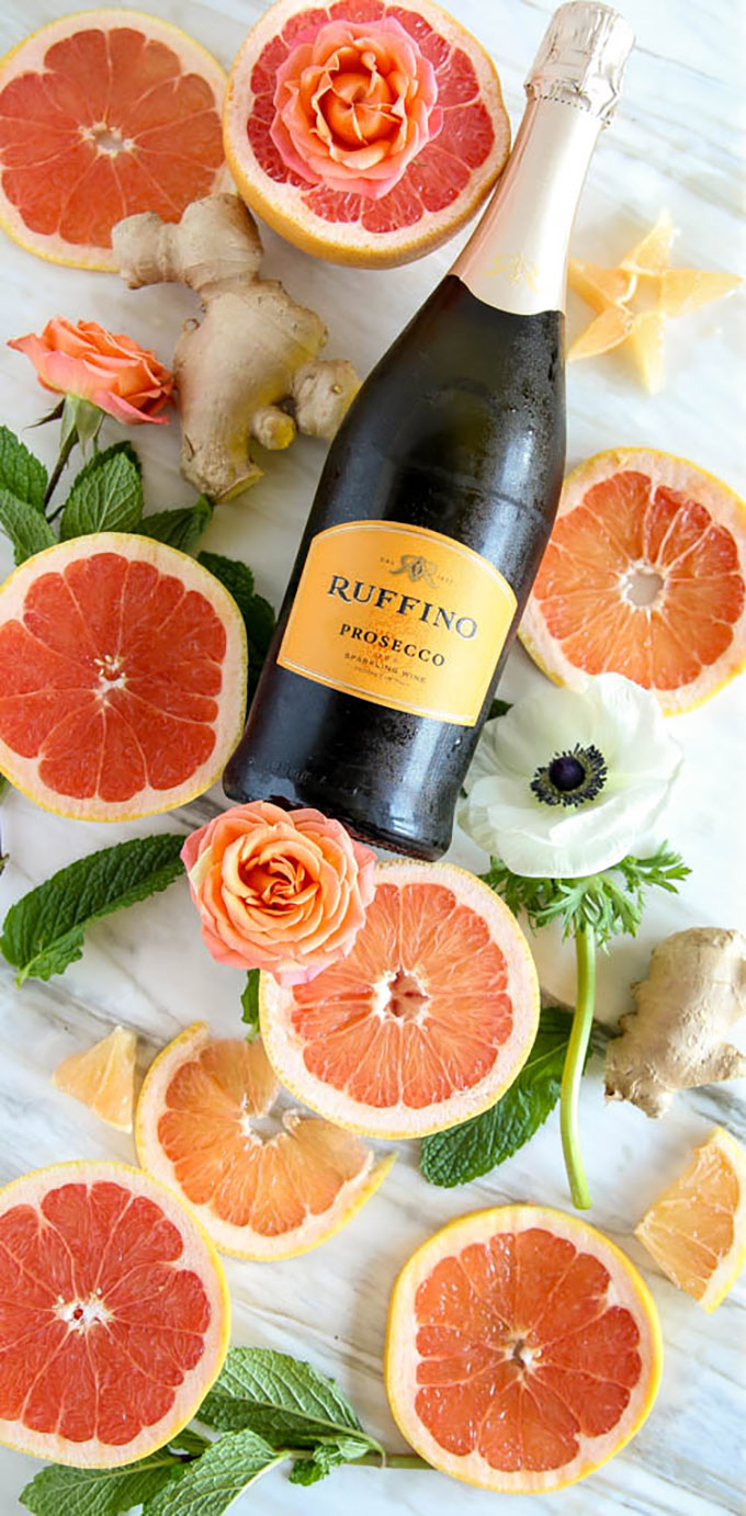 Ginger-Mint Grapefruit MImosa | Only 4 beautiful ingredients for this tasty drink to impress at your next gathering! #mimosa #grapefruit #mint-2