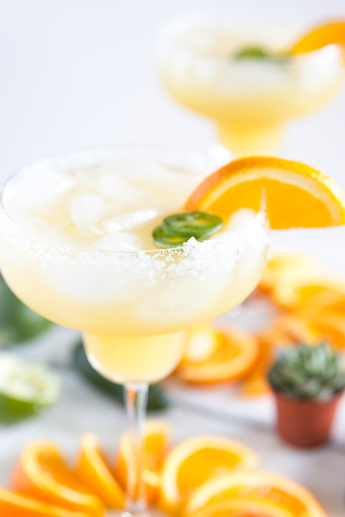 Sunny OJ + Spicy Jalapeño make a DELICIOUS Margarita! Only 5 natural ingr. and SUPER delicious! Perfect for Cinco de Mayo! #margarita