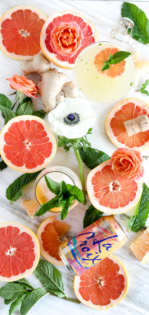 Prosecco in Fresh Grapefruit Ginger-Mint MImosa | 4 beautiful ingredients for this bright & bubbly drink! #mimosa #grapefruit #mint.jpg