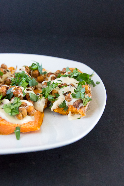 Delicious 5-ingredient Mediterranean sweet potato toast!