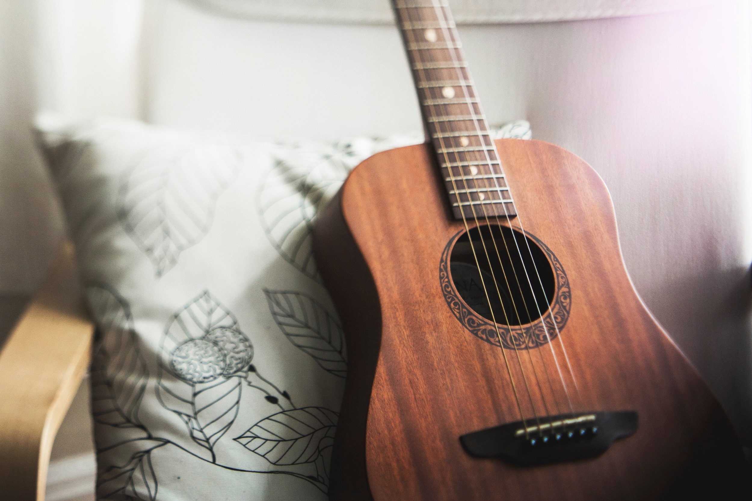 What it's like taking adult guitar lessons. CheersYears.com #adultguitarlessons #guitarplaying