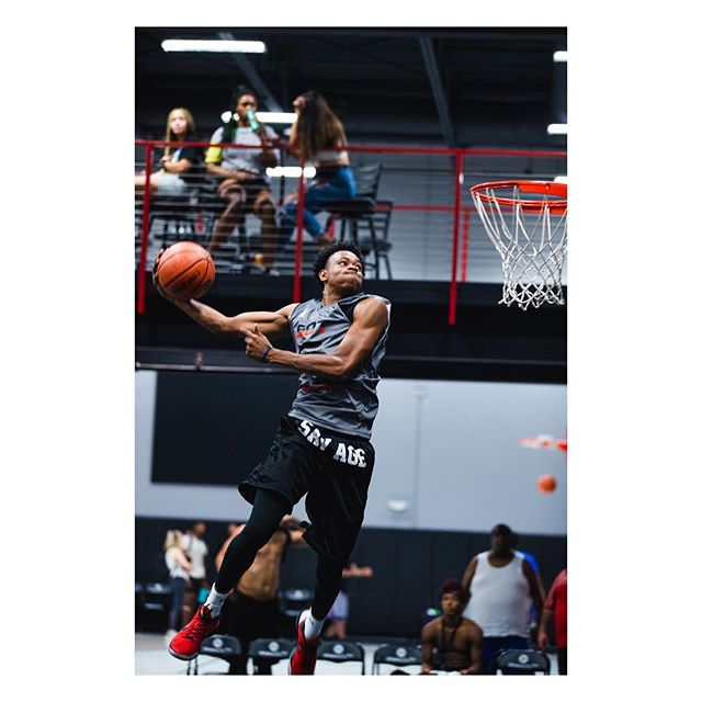 Open air x @gotgameinthevalley . . . . . . #nbasummer #summerleague #basketball #nikebasketball #summerhoops #swishculture #knowyourbigpicture #hoopdreams #nbafreeagency #collegebasketball #fiba #fibau19 #puresweat #drewleague #nbagleague #changethegame #privaterun #slamonline #thebig3 #teamadidas #adidasbasketball #pumahoops #dunkademics #dunk #dunkcontest