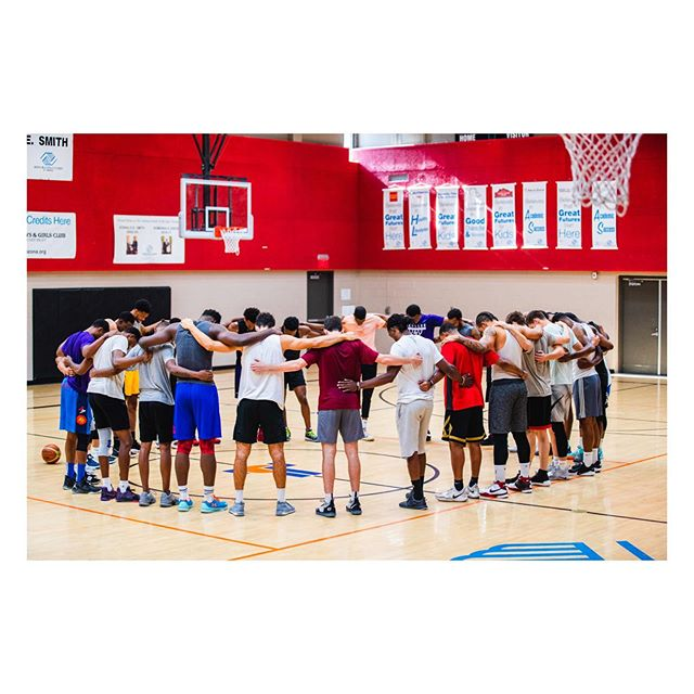 Every day. A little bit more. And better. @leagueme_ Runs x @desmond.howard3 . . . . . . #nbasummer #summerleague #basketball #nikebasketball #summerhoops #swishculture #knowyourbigpicture #hoopdreams #nbafreeagency #collegebasketball #fiba #fibau19 #puresweat #drewleague #nbagleague #changethegame #privaterun #slamonline #thebig3 #teamadidas #adidasbasketball #pumahoops