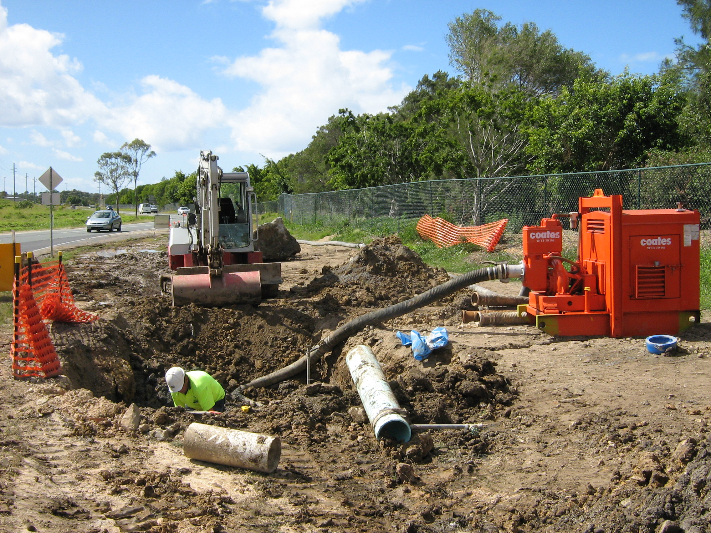 91 - Clearing Blockage, Pumping, Pipe maintenance.JPG