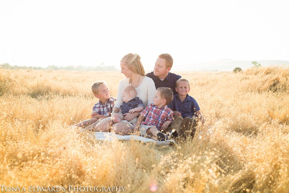 Tonya Edwards | Oroville Family Photographer | Lifestyle family photography