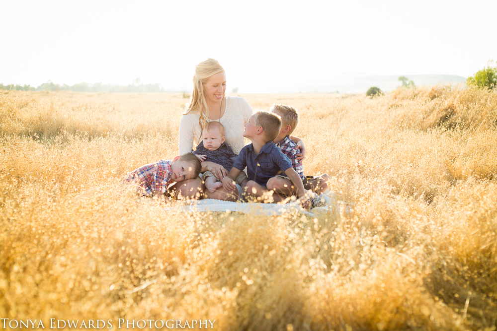 Tonya Edwards | Oroville Family Photographer | Mother and children lifestyle photography
