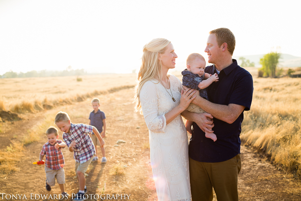 Tonya Edwards | Oroville Family Photographer | lifestyle family golden hour photography