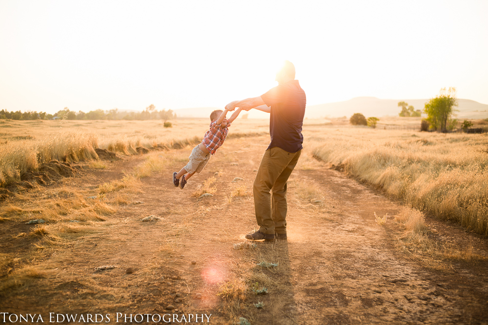Tonya Edwards | Oroville Family Photographer | father and son playing