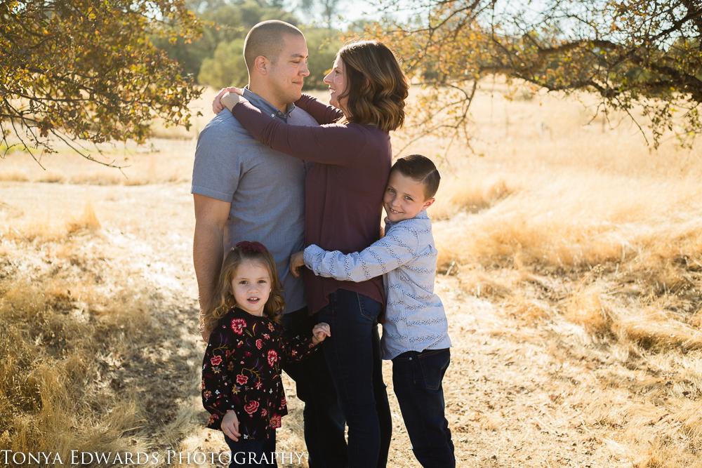 Tonya Edwards   Oroville Photographer   family of four lifestyle session
