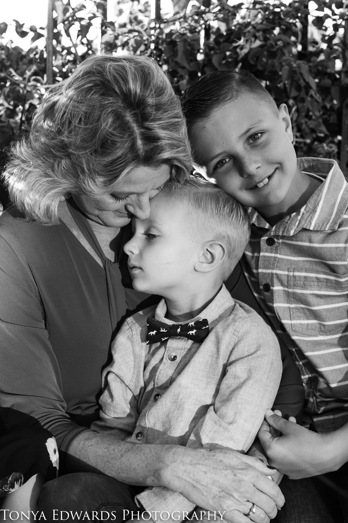 Tonya Edwards | Oroville Family Photographer | grandmother and grandsons snuggling