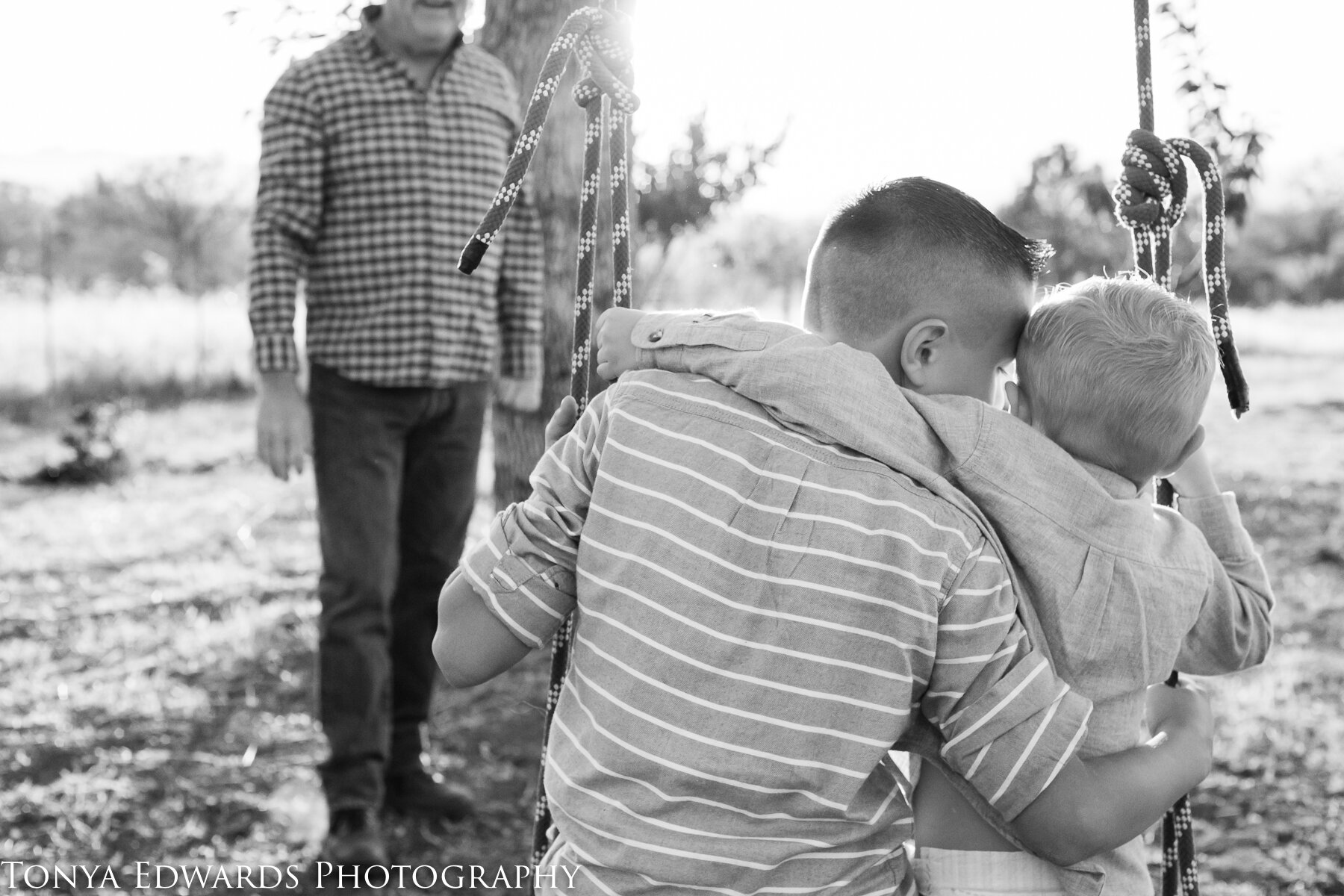 Tonya Edwards | Oroville Family Photographer | extended family photography