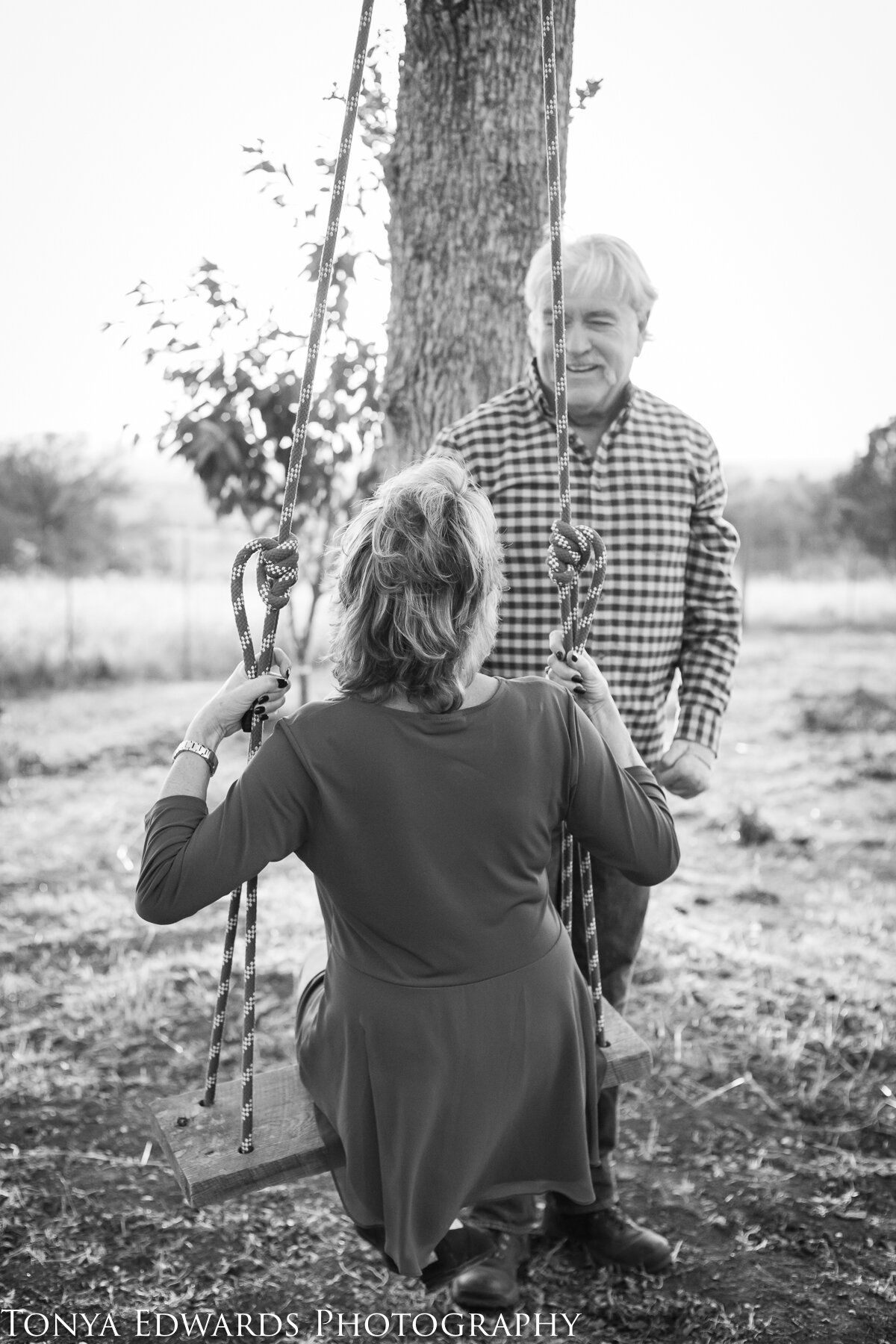 Tonya Edwards | Oroville Photographer | extended family session