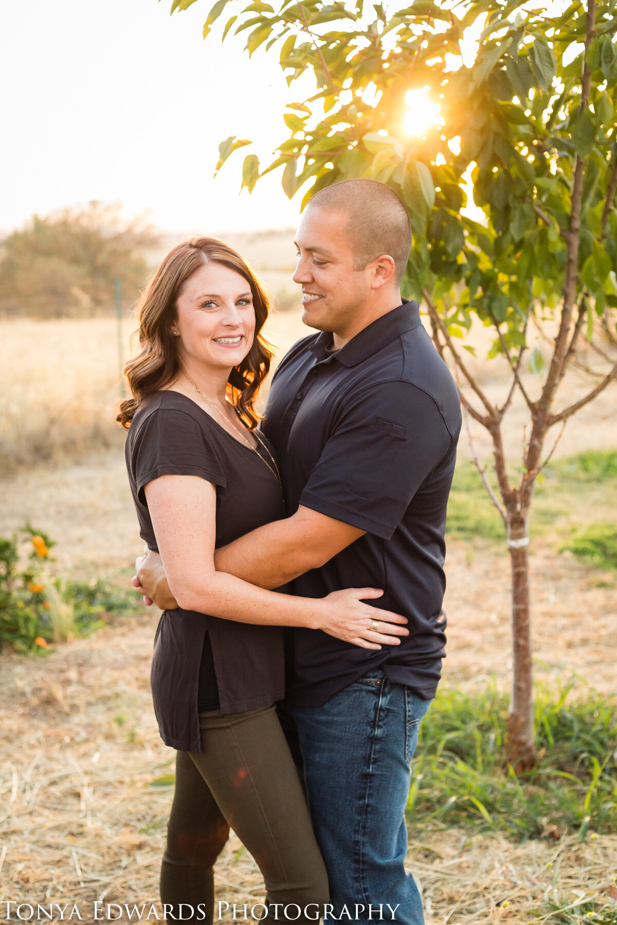 Tonya Edwards | Oroville Photographer | parent couple extended family session