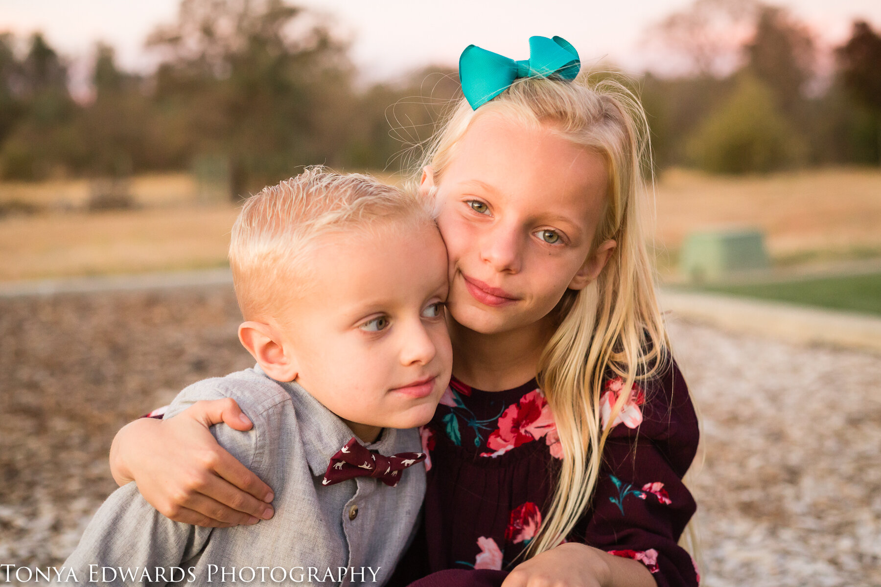 Tonya Edwards | Oroville Family Photographer | sibling brother sister pose