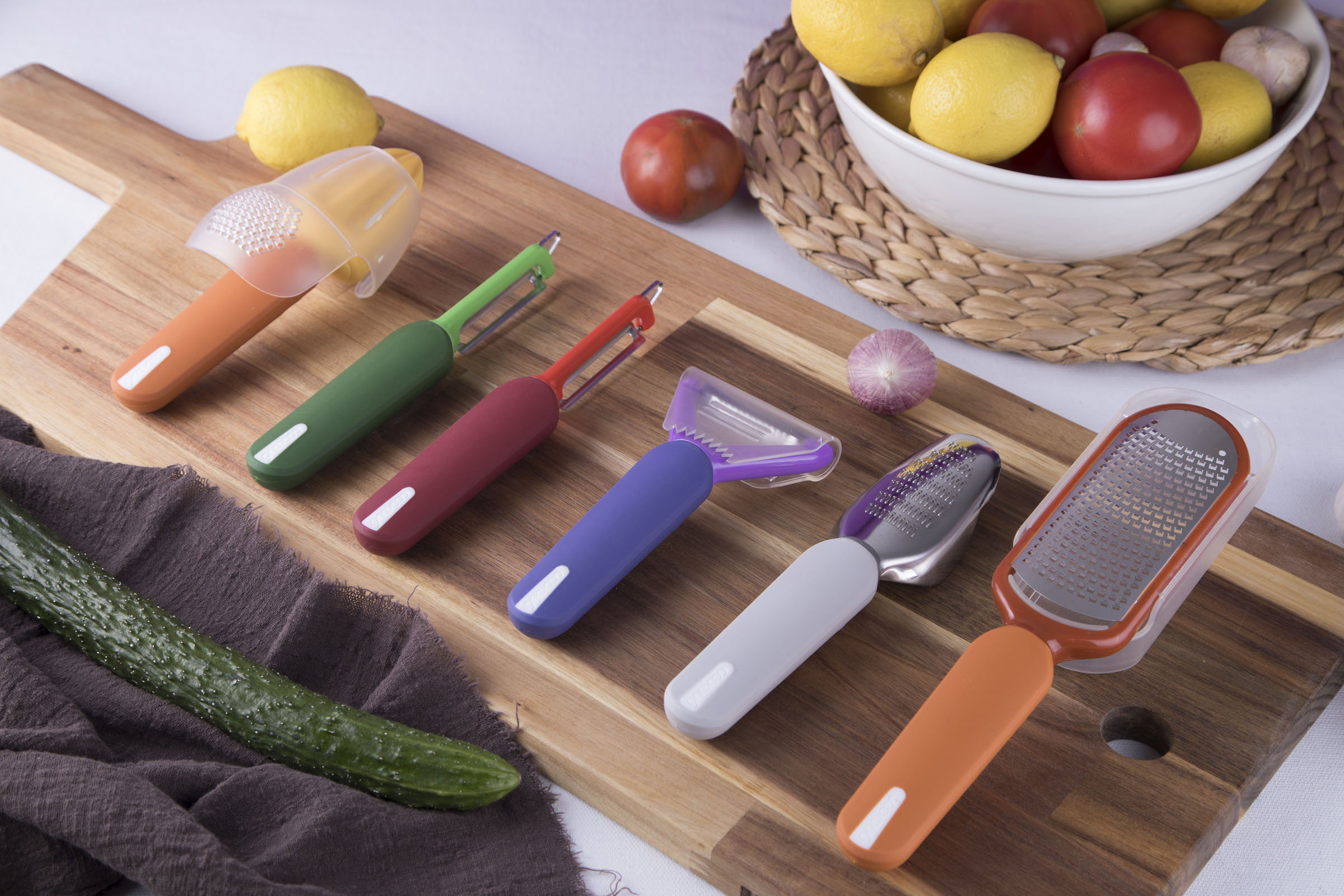 Peelers, Graters, Zester & Reamer - Smart food prep tools with a fresh twist for all your foods prep needs