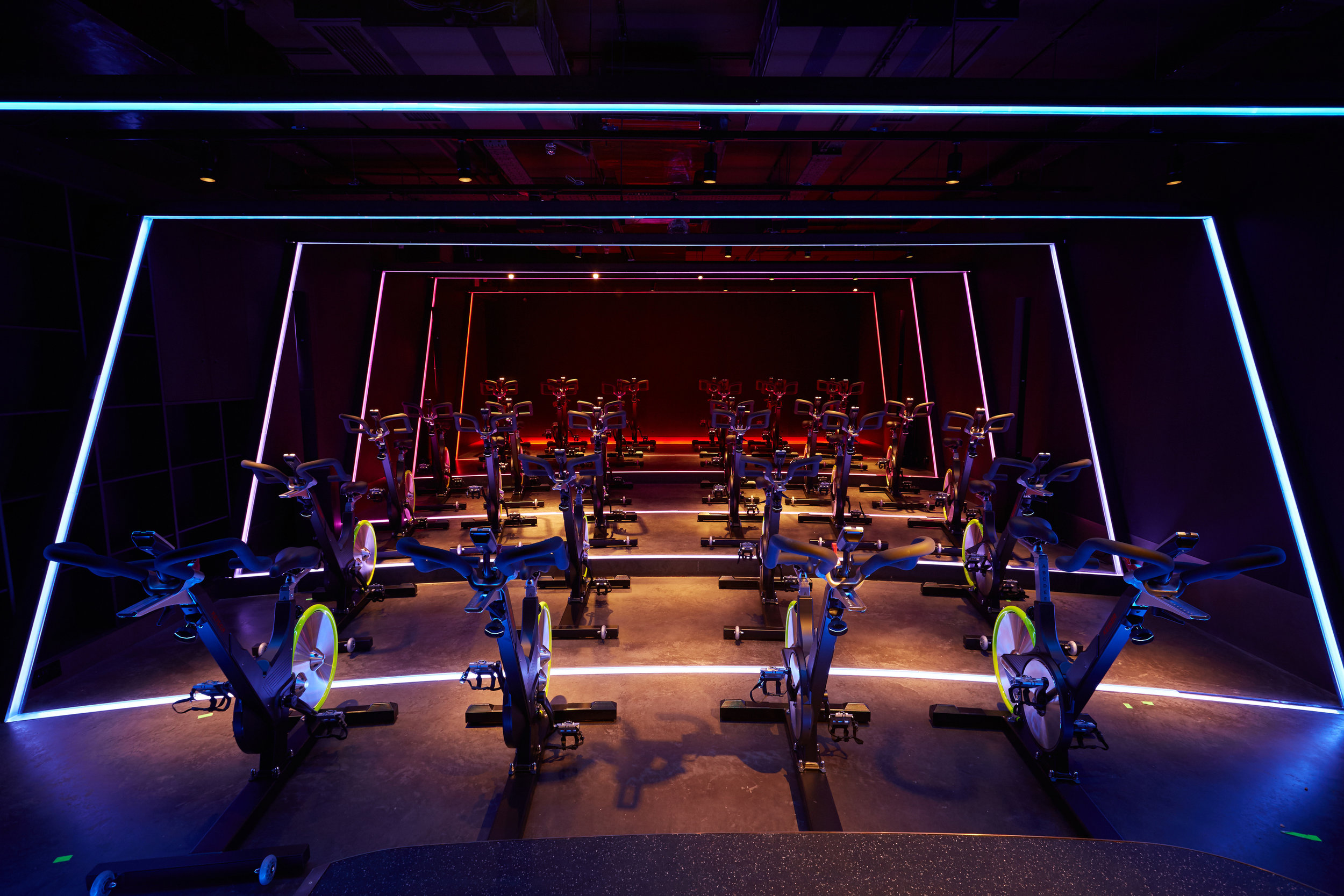 I MOVE ME THE GAMES KXU CHELSEA LONDON BOUTIQUE FITNESS STUDIO SPIN