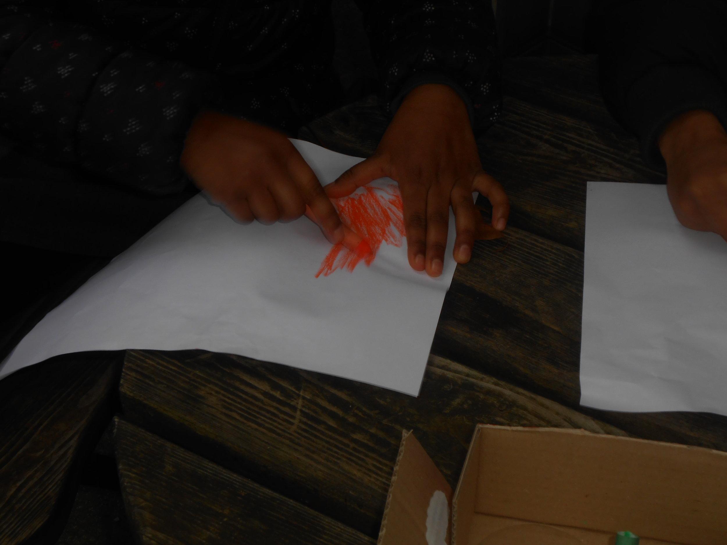 Atelier frottis-copie (empreintes de feuilles d'arbres)
