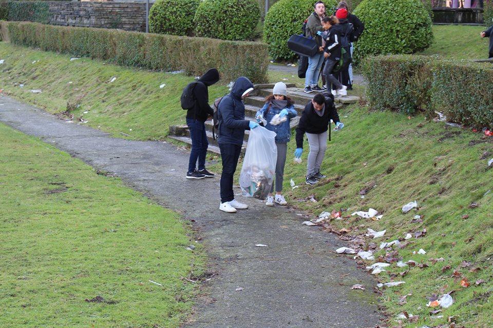 Des étudiants de Gryzon se mobilisent pour nettoyer le campus