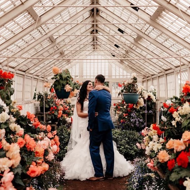 Amelia and Jamie, one of our lovely couples from March this year, amongst the blooms at Entally Estate. How stunning is this setting, no styling needed here! . . . . . 📷 @fionavailphotography  #adorneventstyling #weddinginspo #tasmania #weddingplanning #weddingstyling #eventstyling #wedspiration #weddingideas #eventinspo #weddingdeco #tasmanianweddingstylist