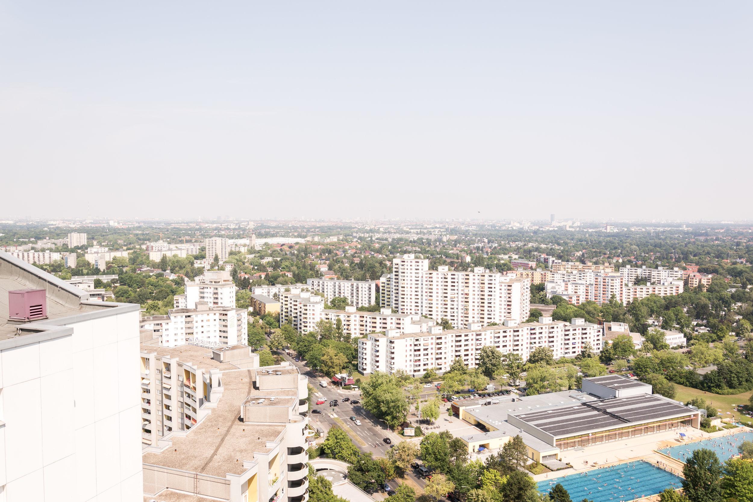 "gropiusstadt seen from the ""ideal""-hochhaus, in summer 2015."