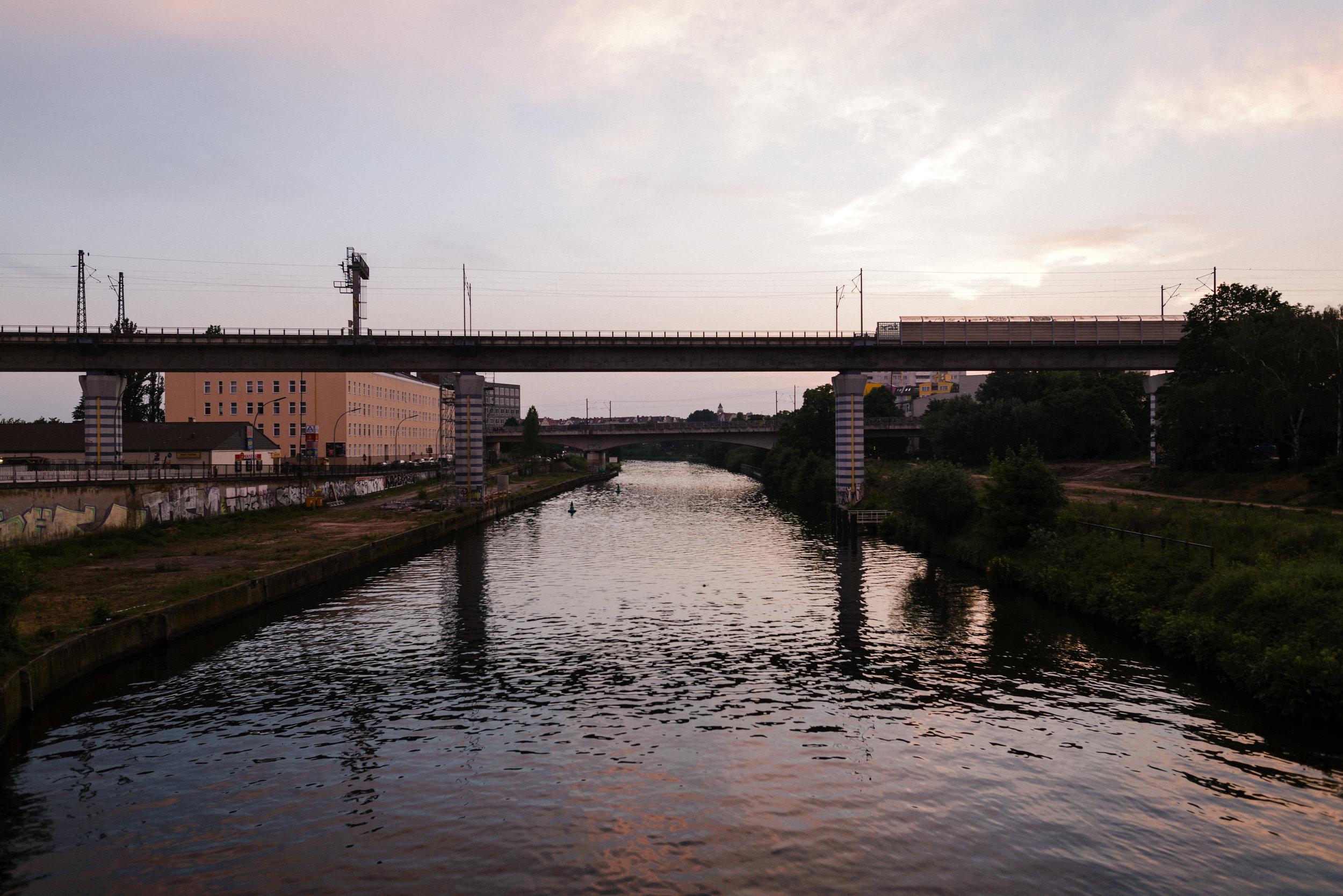 moabit's riverside.