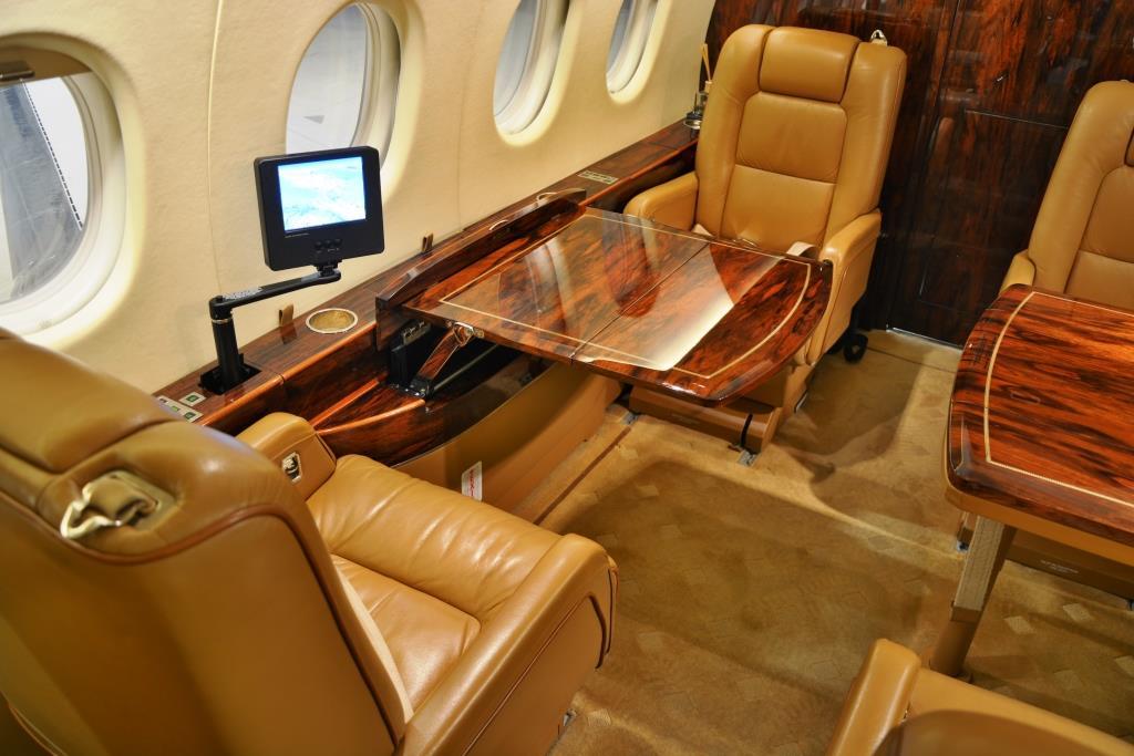 2006 Falcon 2000 Interior 7