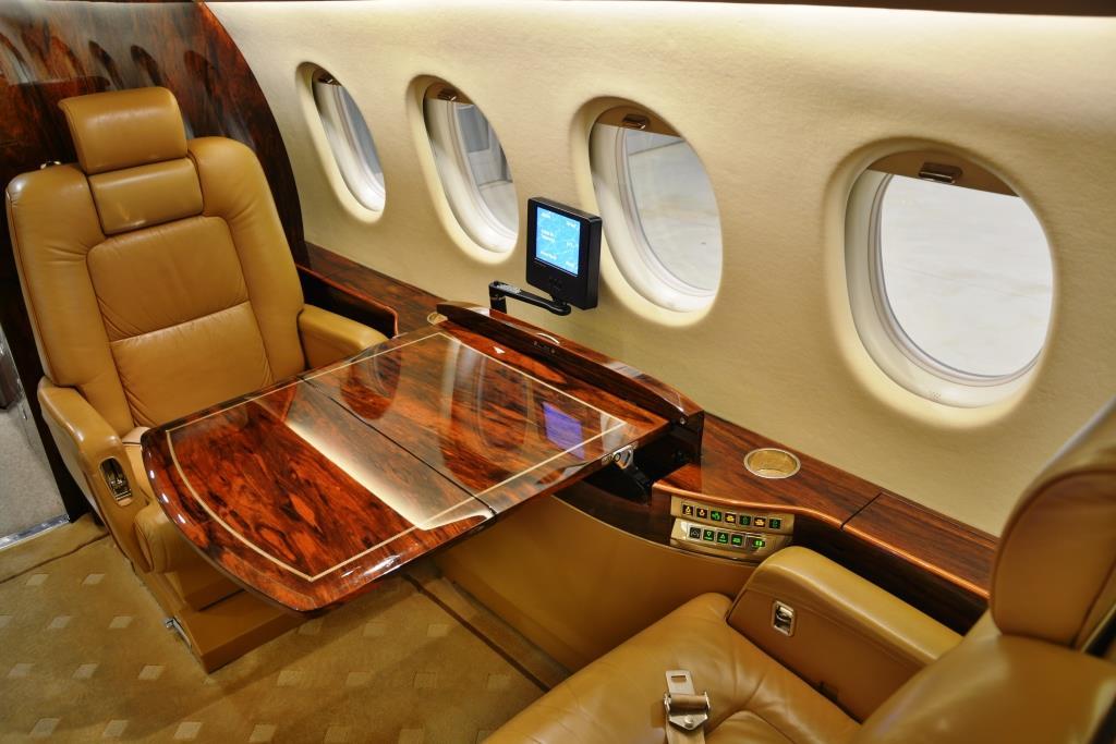 2006 Falcon 2000 Interior 8