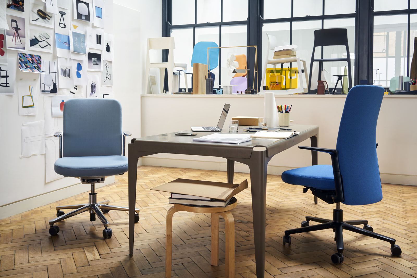 Pacific Chair Studio Barber Osgerby_1627459_master.jpg
