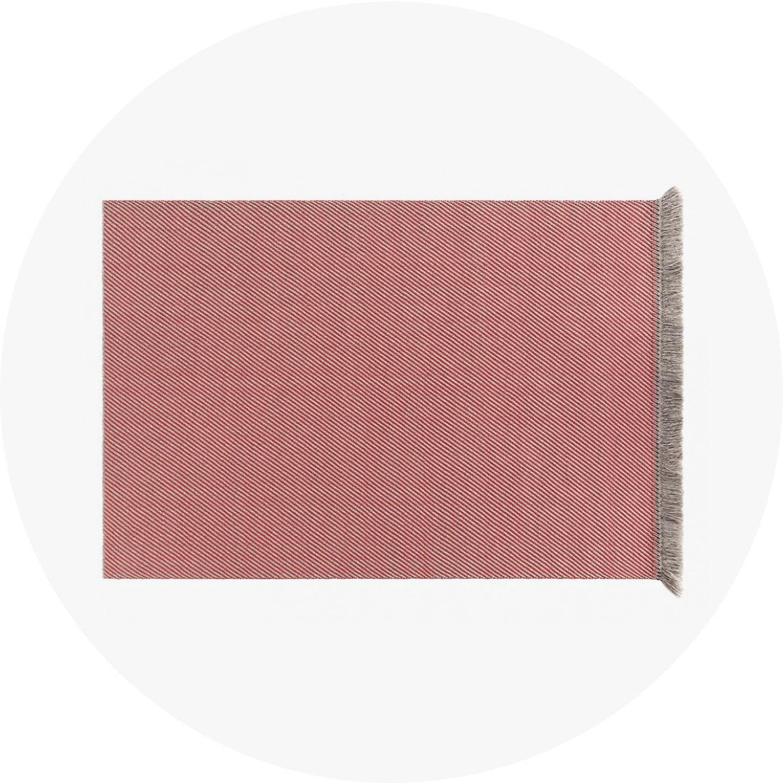 outdoor_gl-blue-rug-diag-almond-red-890x650_R.jpg