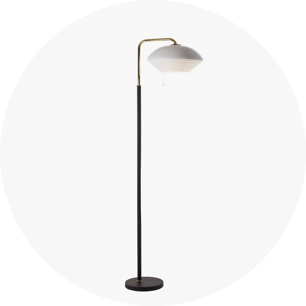 lounge_Floor-Light-A811-brass-tube_on_WEB-1977967-R.jpg