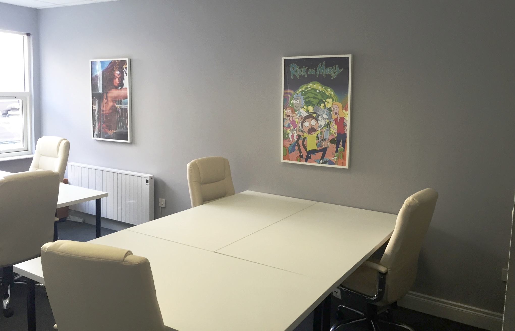 SINGLE DESK - €325 per month