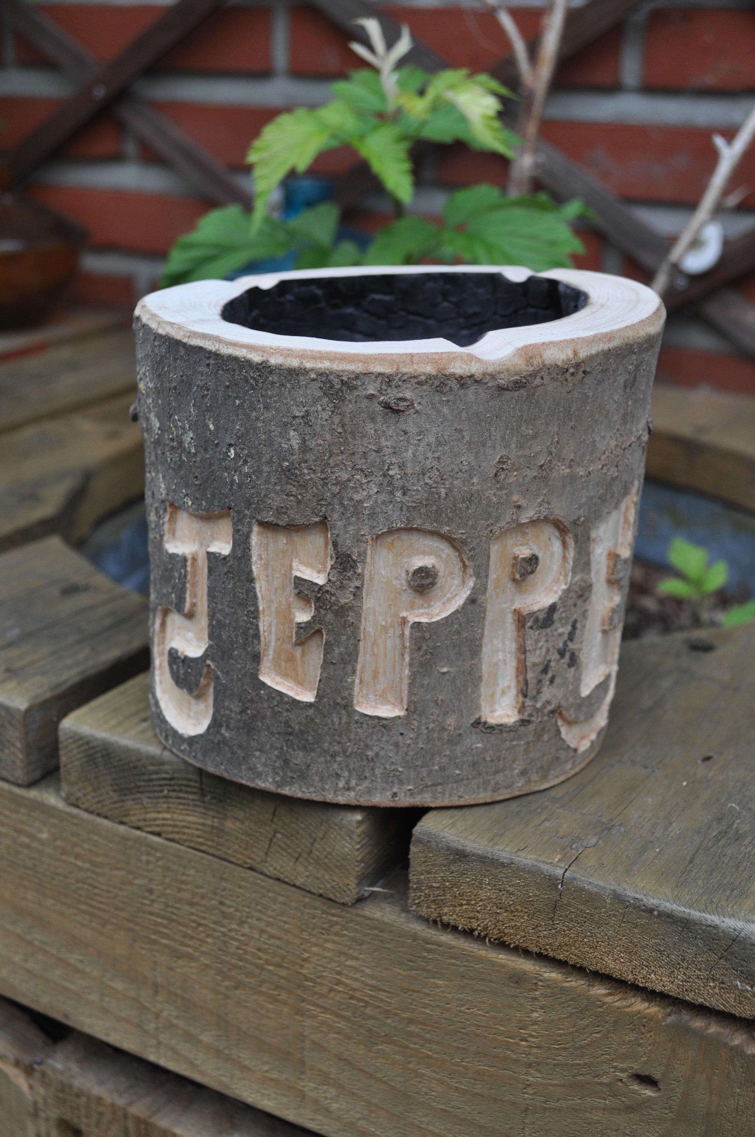 Ashtray with custom name engraving