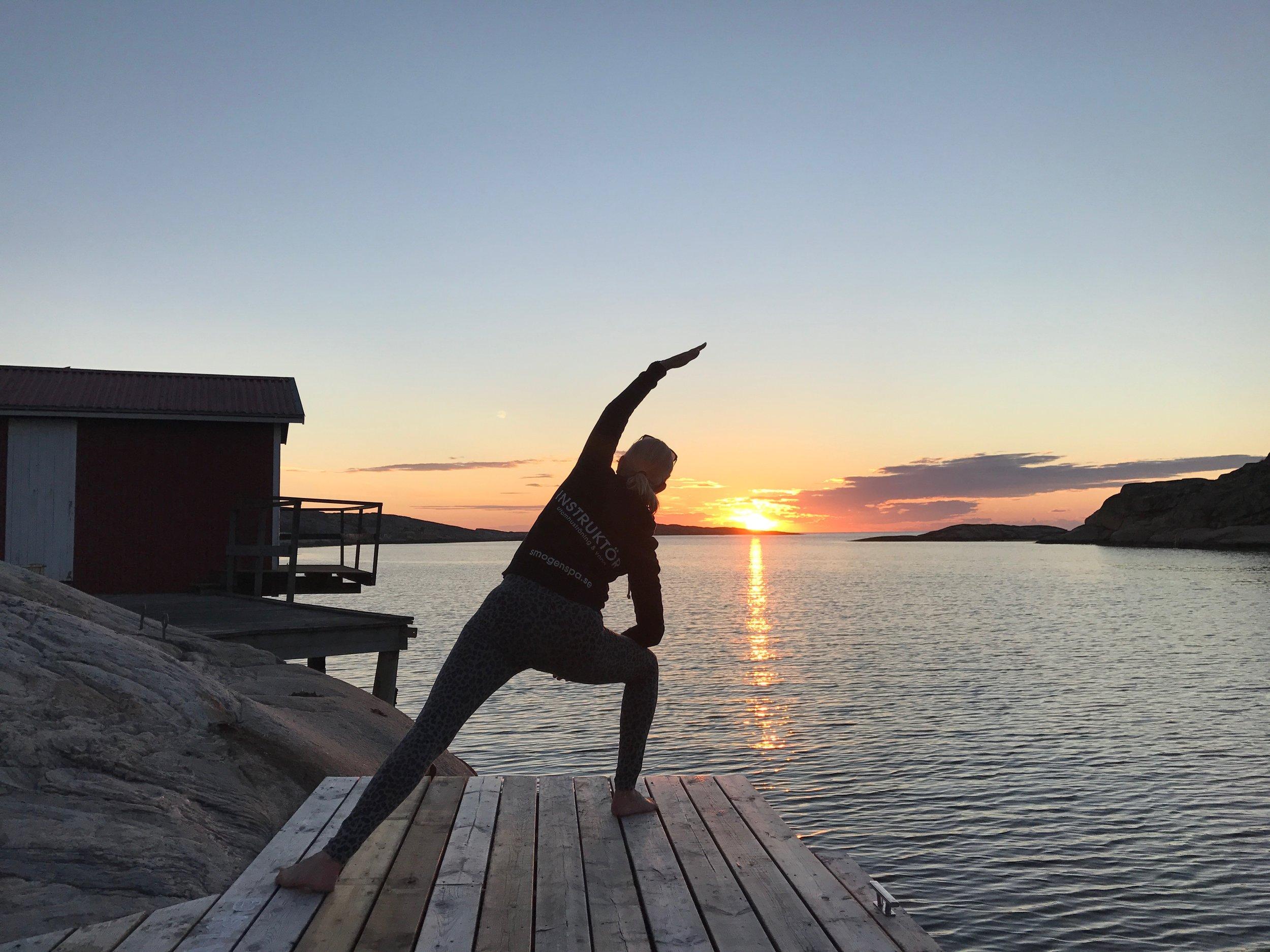 Helbild yoga.jpg