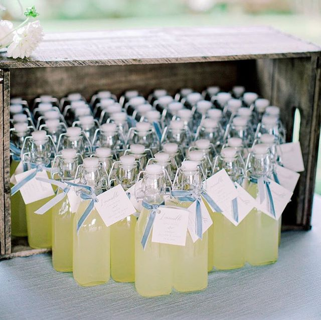 How lovely are these favours from this Italian vineyard inspired wedding last fall!? For an extra personal touch, @daniellepuopolo and her husband bottled their own limoncello for guests to take home! . Photography: @richellehunter Florals: @huntandgatherfloral . . #moderncalligraphy #calligraphy #lettering #handlettering #torontocalligrapher #stylemepretty #thatsdarling #pursuepretty #risingtidesociety #risingtideyyz #chasinglight #flashesofdelight #theknot #makersmovement #petitejoys #loveauthentic #wedding #weddingcalligrapher #weddingdetails #fineartwedding #weddingstationery #weddingpaper #torontowedding #torontoevents #gtawedding #weddinginspiration #weddinginspo #torontobride #weddingfavors #weddingfavours