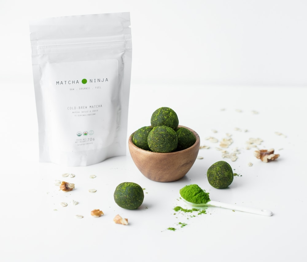 - Ingredients:4 dates soaked and drained1/2 cup rolled oats1/2 cup coconut50g organic dark chocolate (70% cocoa)1 tsp cinnamon1 tbs Matcha Ninja 1/4 cup your choice of nuts or seeds