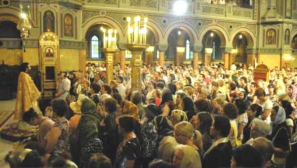 Worship slujba-cathedral.jpg