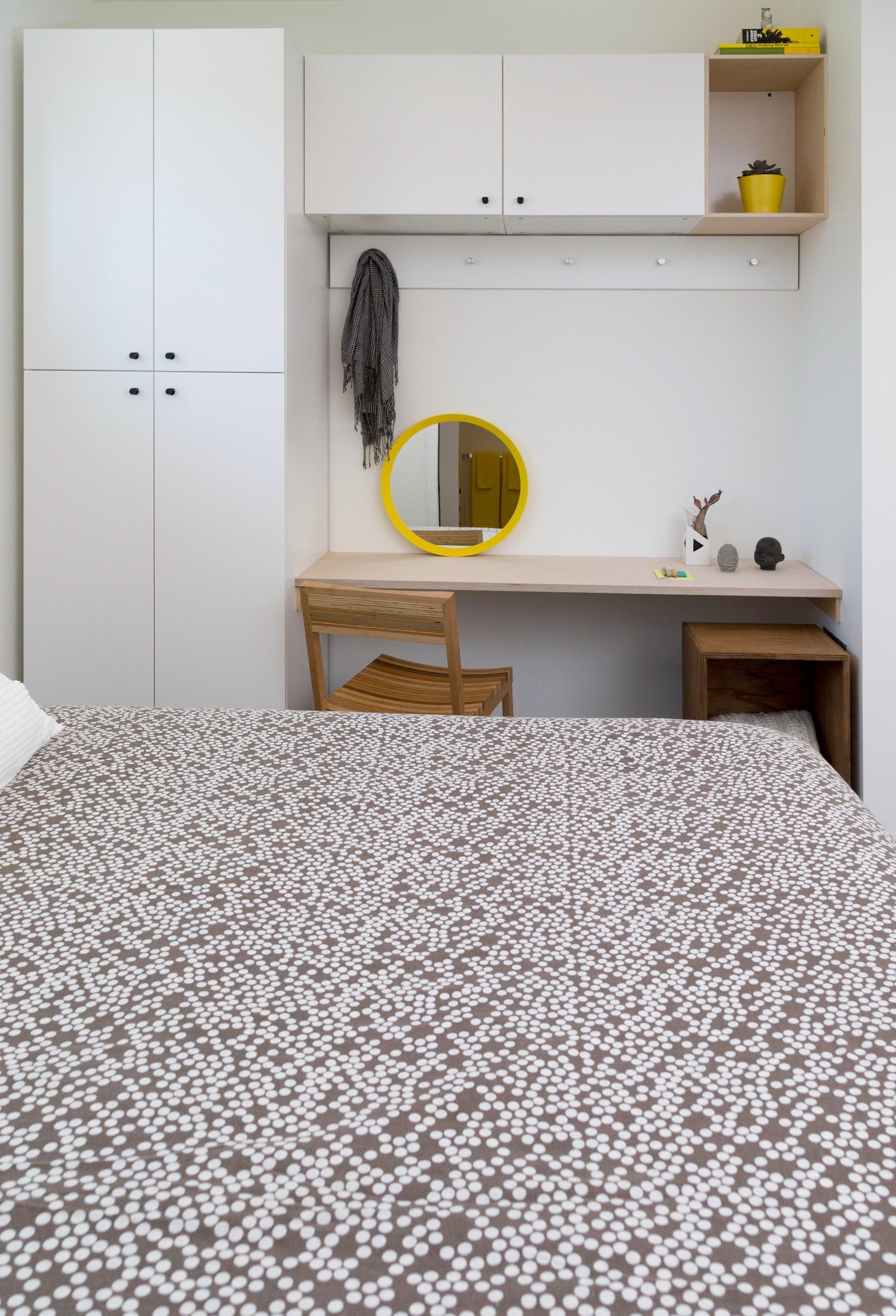 WC-STUDIO-PROSPECT-BEDROOM-BUILT-IN-DESK-WARDROBE-STORAGE.jpg