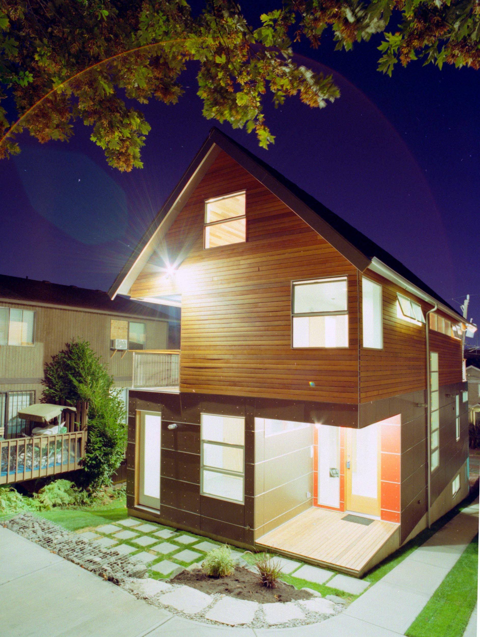 WC-STUDIO-CENTRAL-DISTRICT-HOUSE-EXTERIOR-REAR-ENTRY-NIGHT.jpg