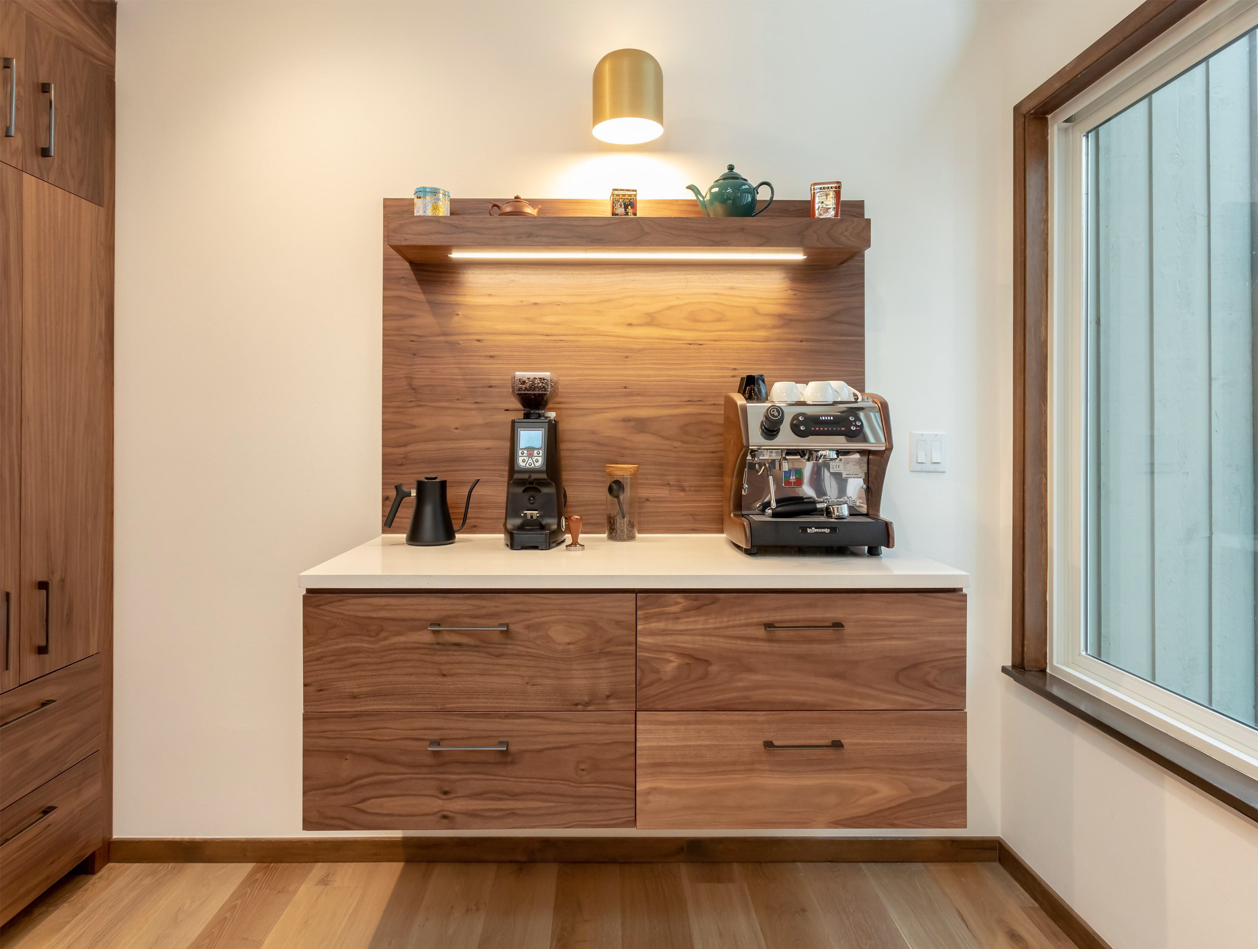 The owners were looking to elevate their coffee and tea game. A dedicated place for storing and preparing beverages was a priority for them.