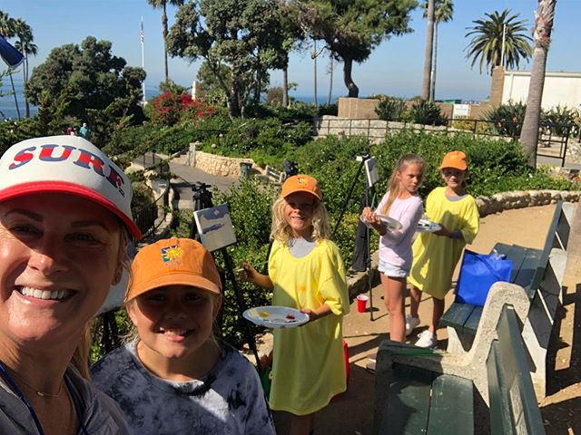 Teaching the next generation of Plein Air Artists with @lpapamembers #lpapa21st  I had a blast teaching these art students how to capture waves en Plein Air - I think they rocked it!! @lpapamembers @huseskellygallery @takellenberg @celesteinlb @laskelly #lpapa21st #californiapleinairartists #lagunabeach #heislerparklagunabeach #wavepaintings #pleinairmag #southwestartmagazine #lisaskellyfineart #californiacoast #mentoringyoungarrists #paintwhatinspiresyou