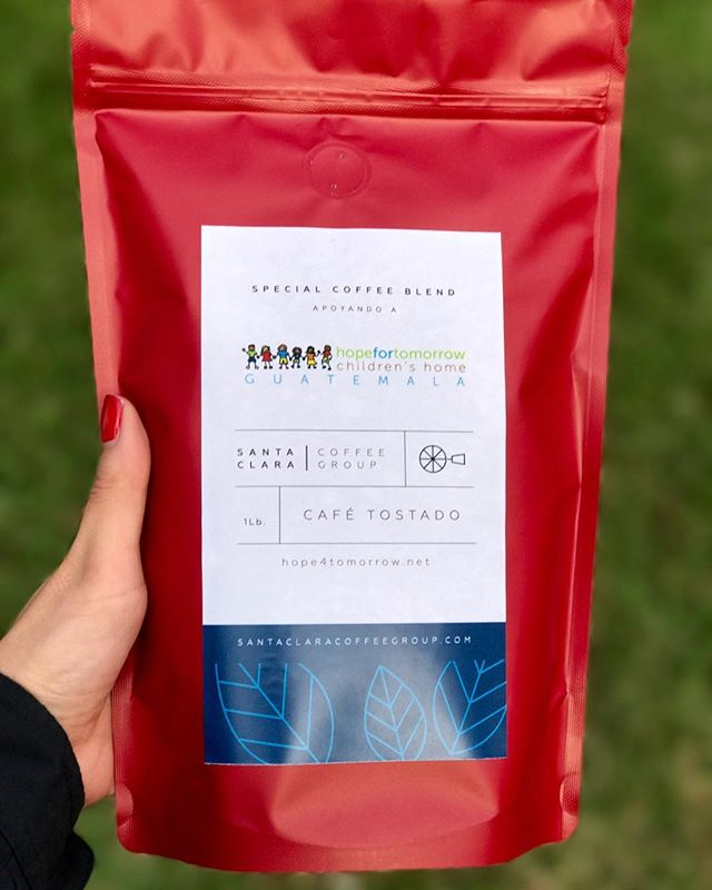 Sabias que tenemos un blend especial con nuestros amigos de Hope for Tomorrow. Tienen verdaderamente un lindísimo proyecto donde proveen un hogar para niños que no lo tienen. Con la compra de este café estas apoyando el crecimiento de esta organización. Lee mas sobre ellos: @hopechildren • Did you know that we have a special blend with our friends from Hope for Tomorrow. They have an amazing project where they provide a home for children that do not have one. With every bag that you purchase you are supporting the growth of this organization. Learn more about them: @hopechildren