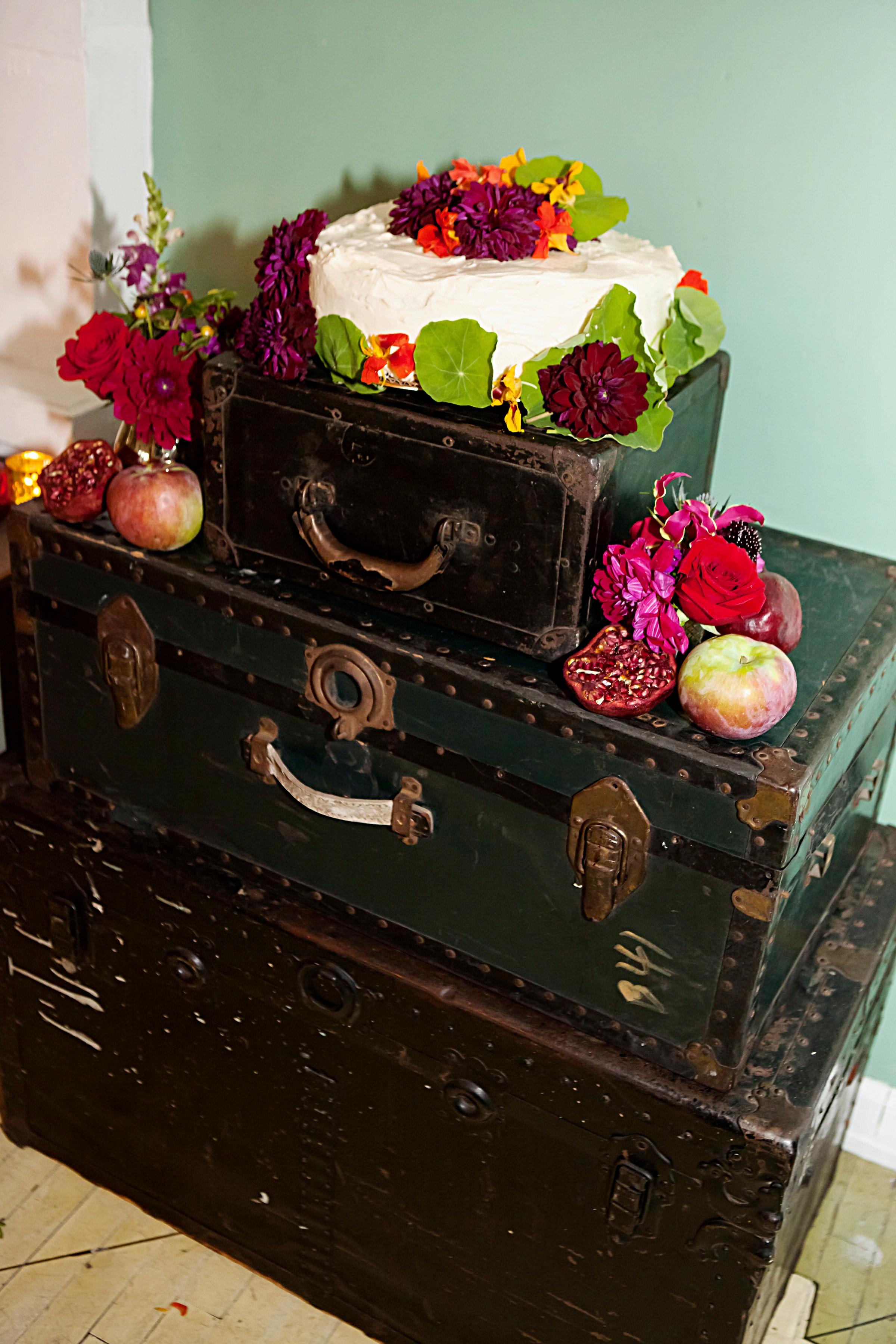 cake on trunk.jpg