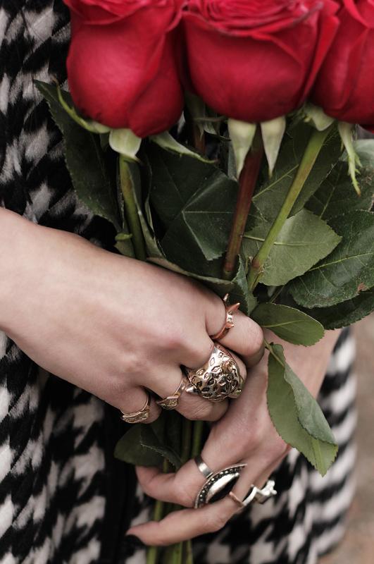 Detalle-Mano&Rosas-1-(1).jpg