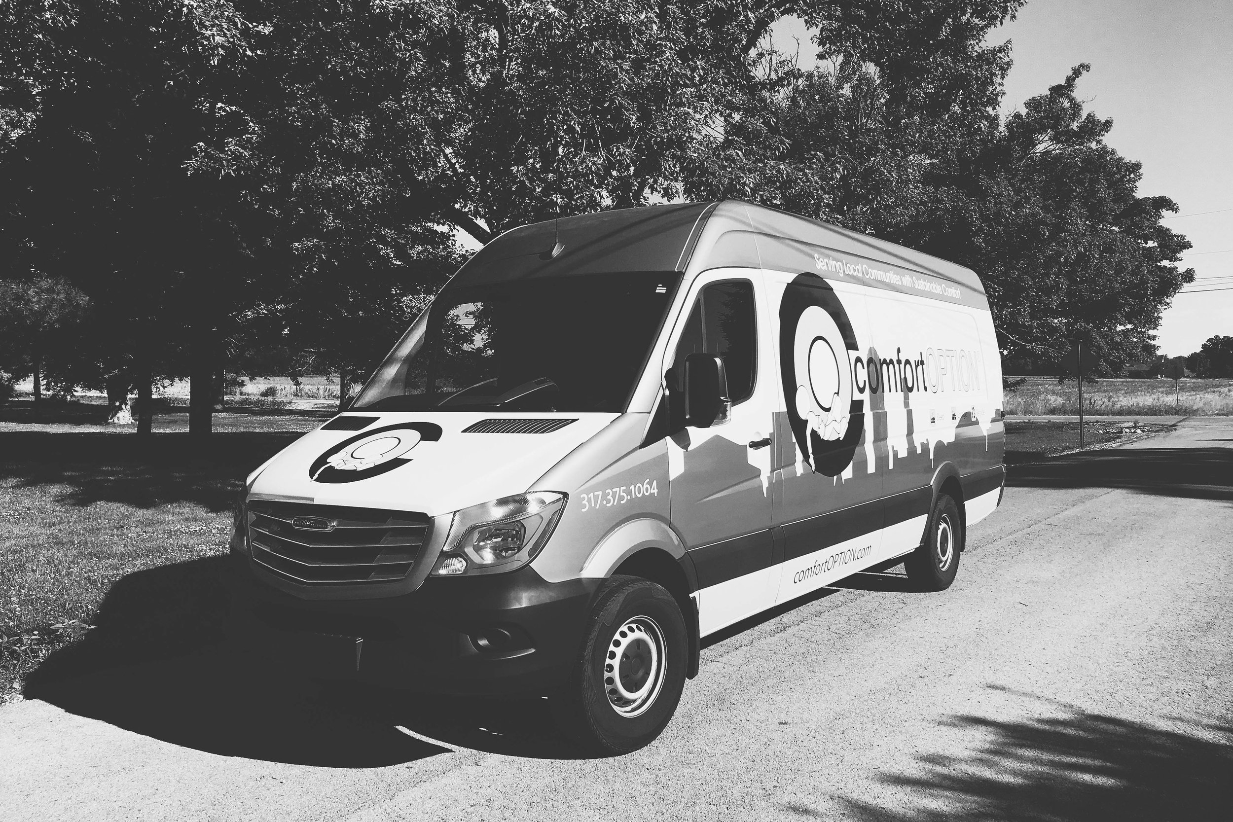 Comfort Option delivery van. Free white glove delivery is included with each customized mattress purchase.