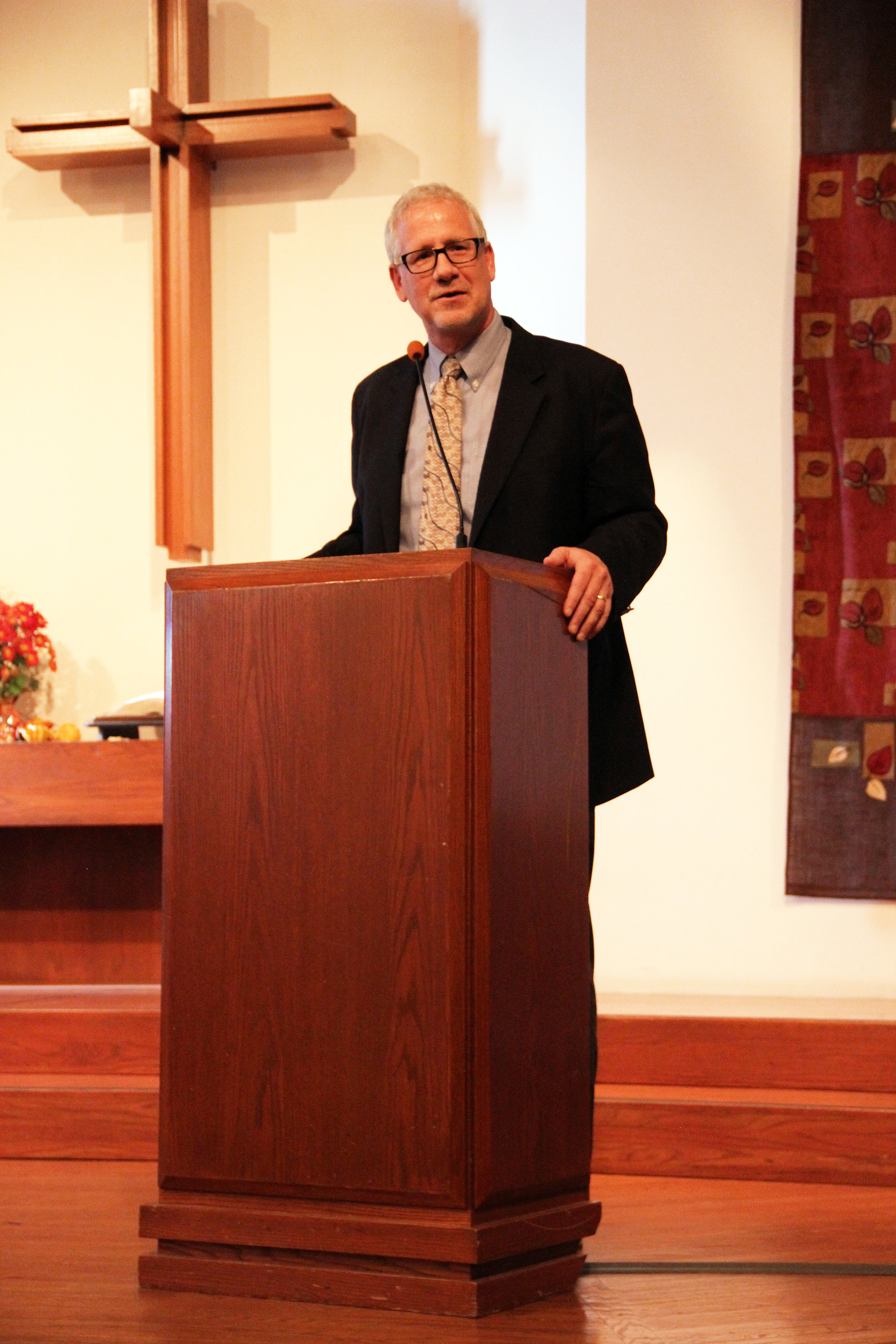171105 Glenn Balzer first moments in pulpit 3.JPG